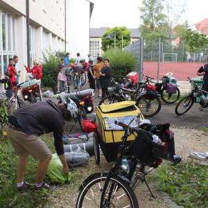 1. Das große Packen an der lila Fahrradhütte-1024