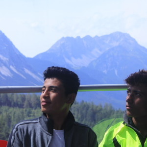 37. Alisena und Seev in der Gondel der Tiroler Zugspitzbahn-1024